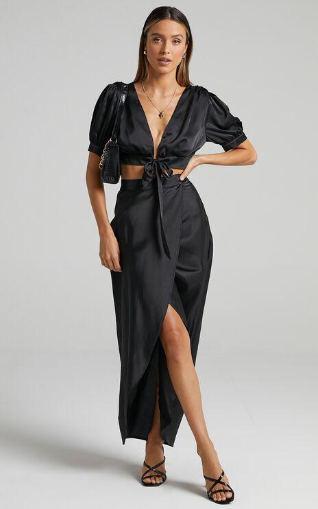Salacia Skirt in Black Satin
