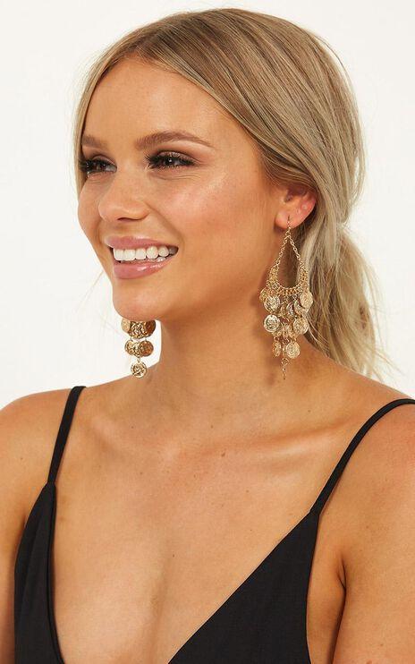 Edge Of Town Earrings In Gold