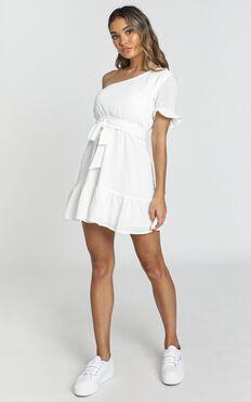 Summertime Beauty Dress In White