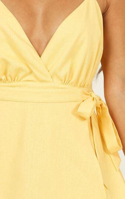 Endless Energy Playsuit in pastel yellow linen look - 20 (XXXXL), Yellow, hi-res image number null