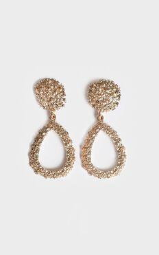 Desert Road Drop Earrings In Gold