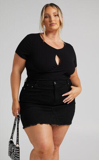 Guyra Key hole Bodysuit in Black