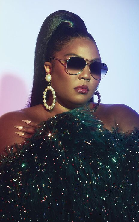 Quay X Lizzo - Hold Please Sunglasses in Gold and Fade Lens