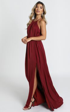 Graceful Dancer Dress In Wine
