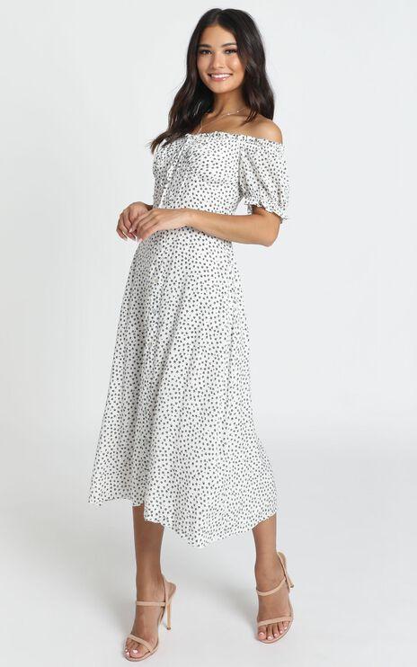 Rylee Dress In White Spot