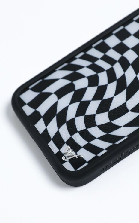 Wildflower - Iphone Case in Crazy Checks