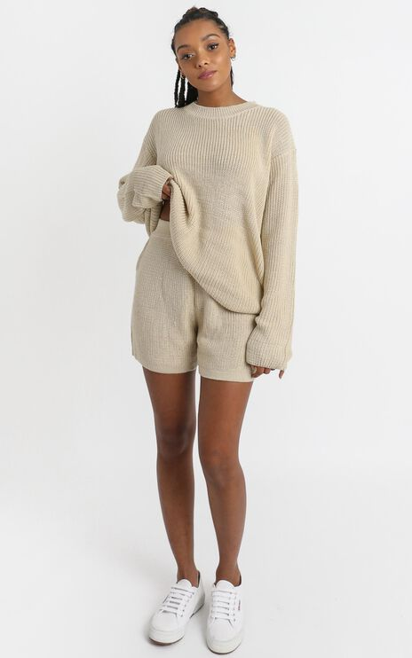 Jacquelyn Knitted Shorts in Beige
