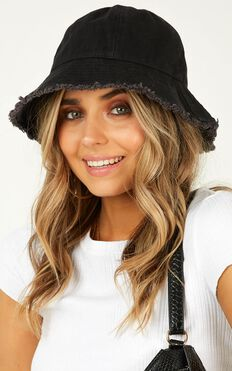 Make Your Move Bucket Hat In Black