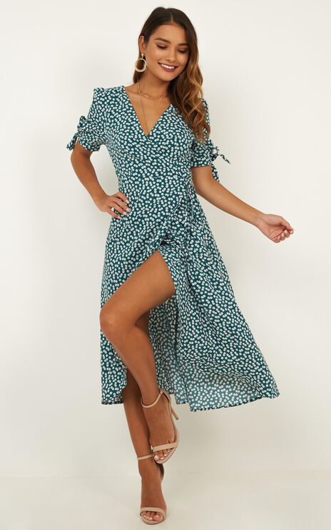 Dont Dream Its Over Dress In Emerald Floral