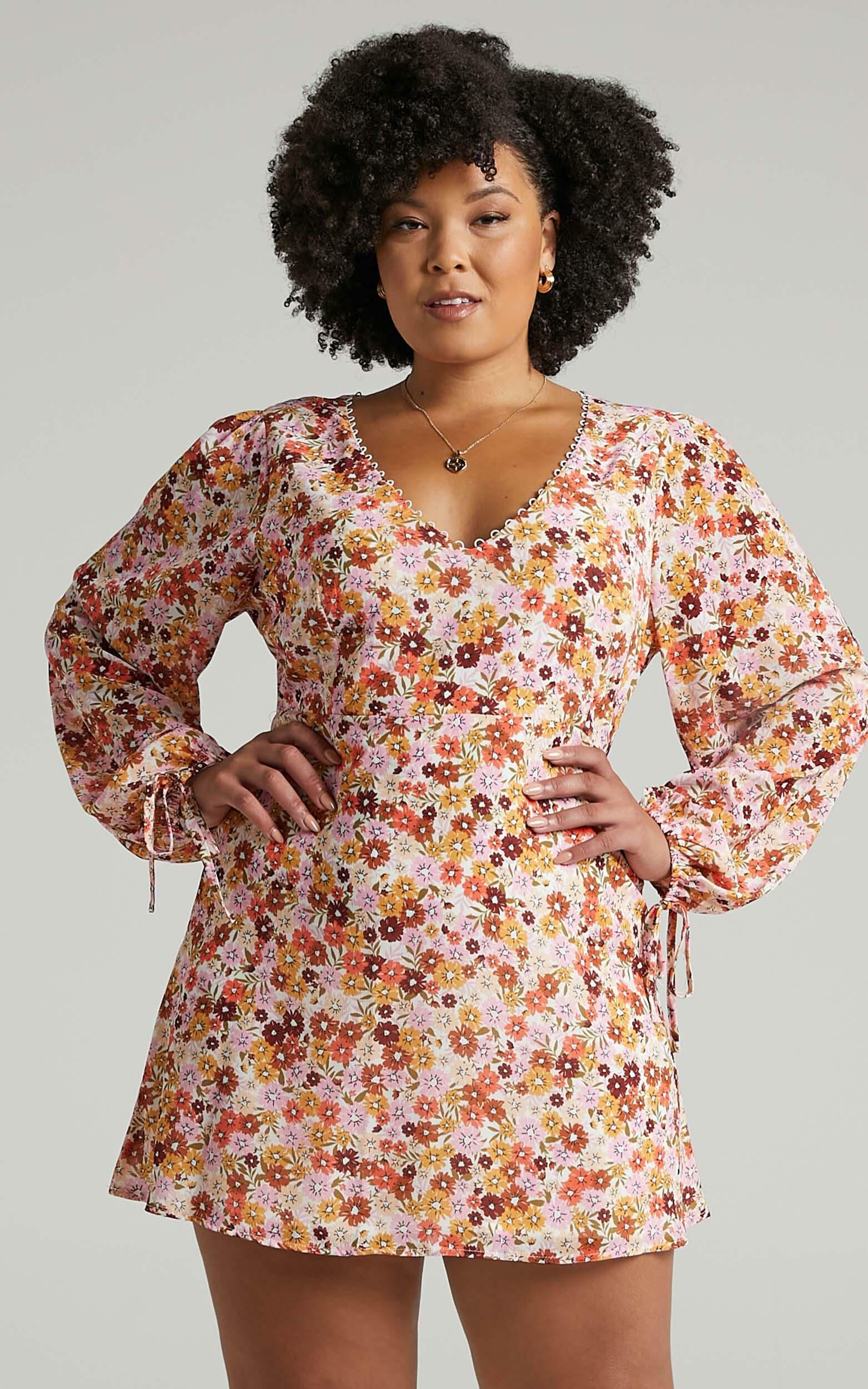 Andrea Long Sleeve Mini Dress in Sahara Ditsy Floral - 06, MLT1, super-hi-res image number null