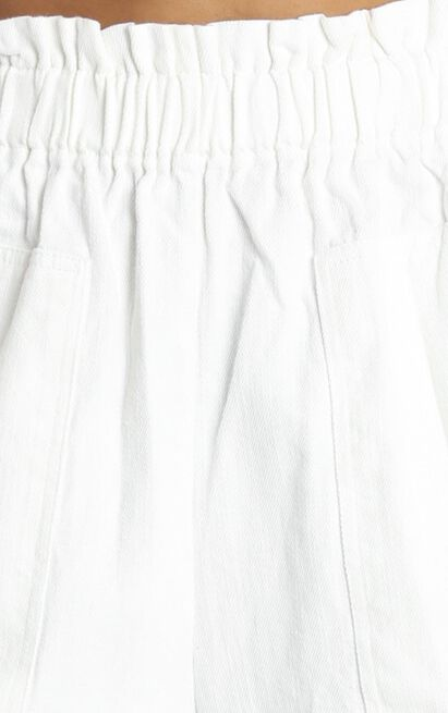 Tell A Friend Shorts in white - 14 (XL), White, hi-res image number null