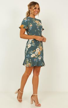 Keep It Calm Dress In Sage Floral