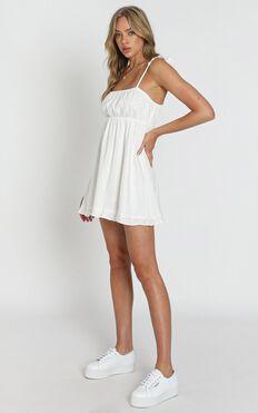 Wild Beauty Dress In White