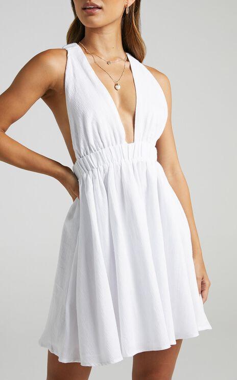Palatua Dress in White
