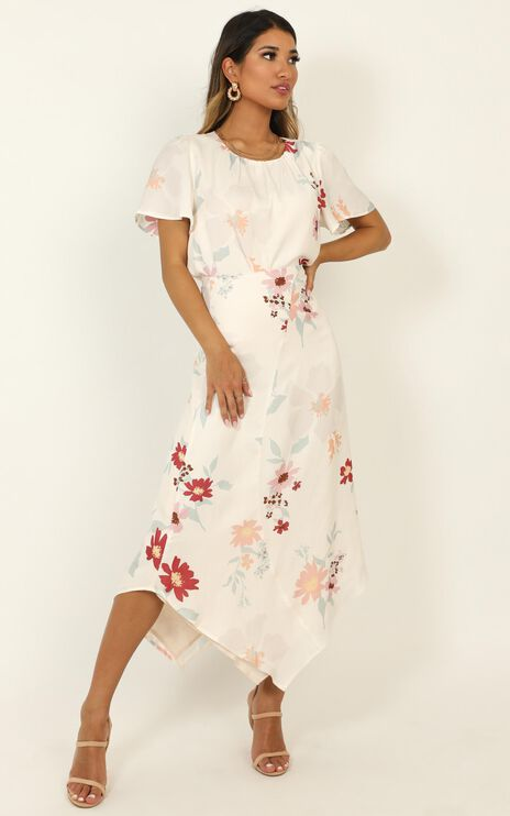 Making Time Top In Cream Floral