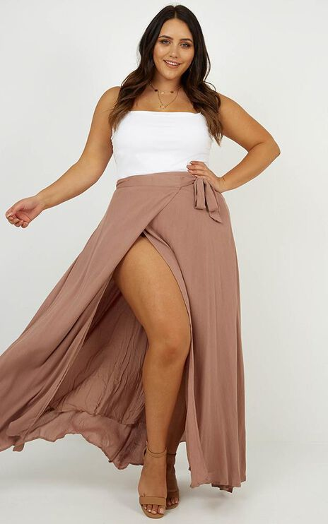 Break A Leg Maxi Skirt In Mocha