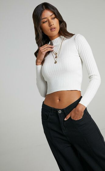 Downtown Dreams Long Sleeve Knit Top in Cream