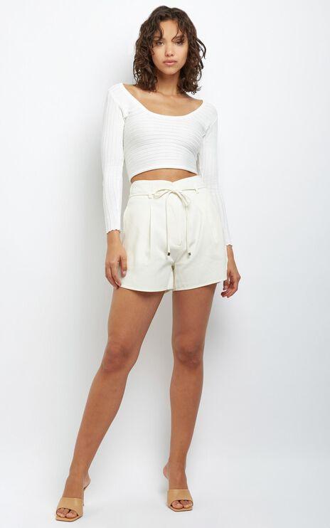 Vida Shorts in Off White