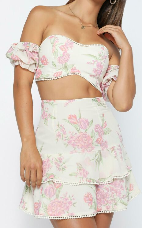 Final Resort Two Piece Set In Cream Floral