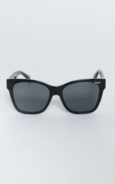 Quay - After Party Sunglasses in Black / Smoke