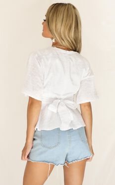 New Possibilities Top In White Linen Look