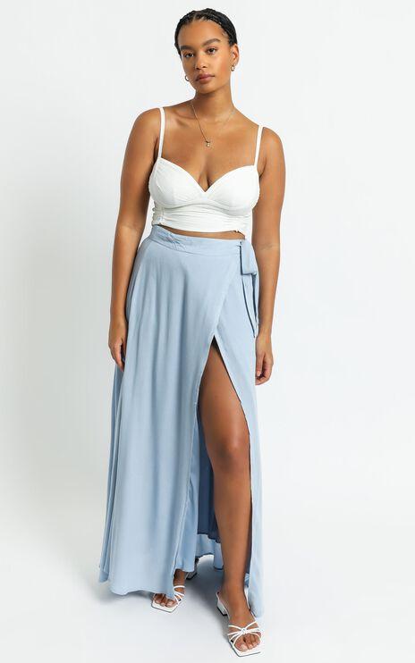 Break A Leg Maxi Skirt In Blue Linen Look