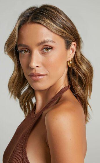 Izoa - Bree Textured Hoop Earrings in Gold