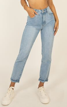Talia Jeans In Light Wash Denim