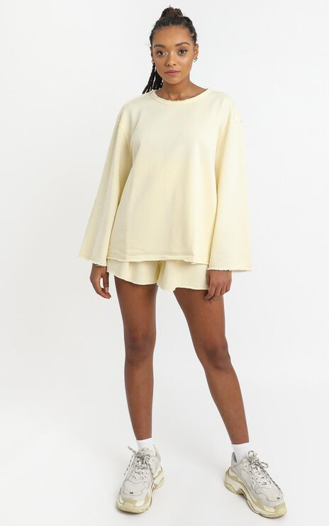 Long Lost Sweatshirt in Pastel Yellow