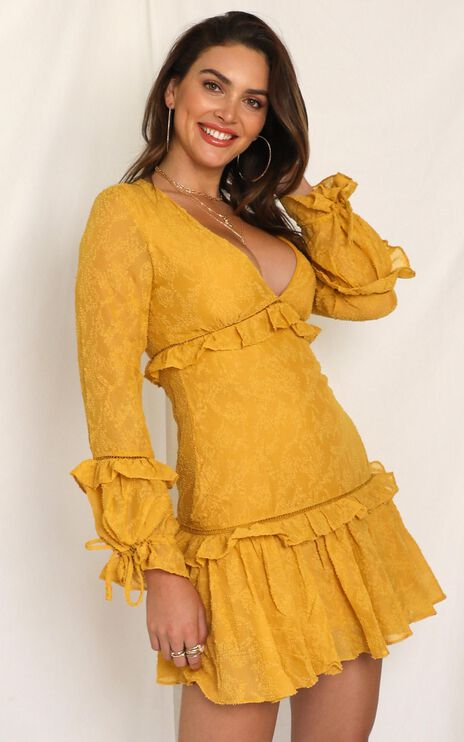 Want Someone Dress In Mustard