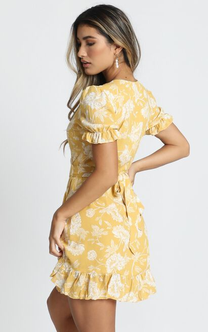 Seaside Views in yellow floral - 18 (XXXL), Yellow, hi-res image number null