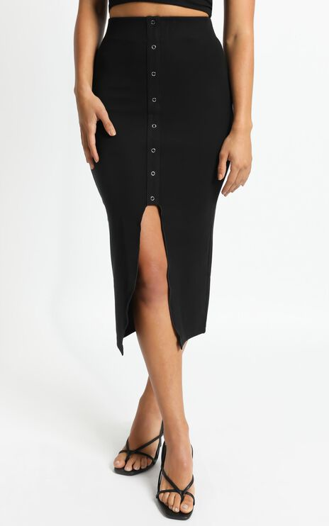Into Motion Skirt in Black Rib