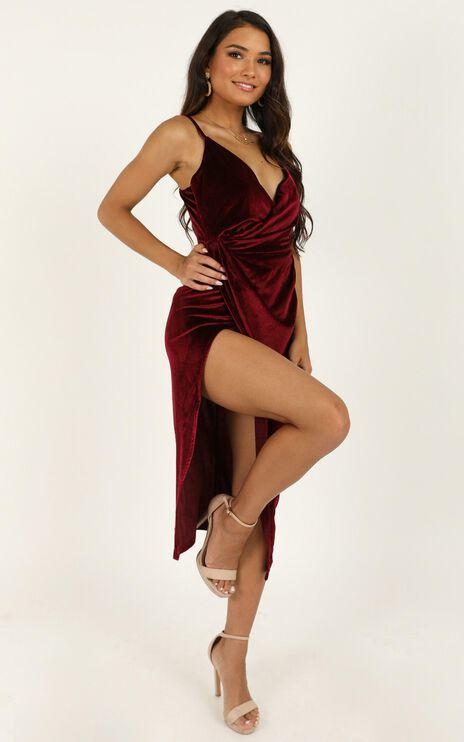 Loving Blind Dress In Wine Velvet