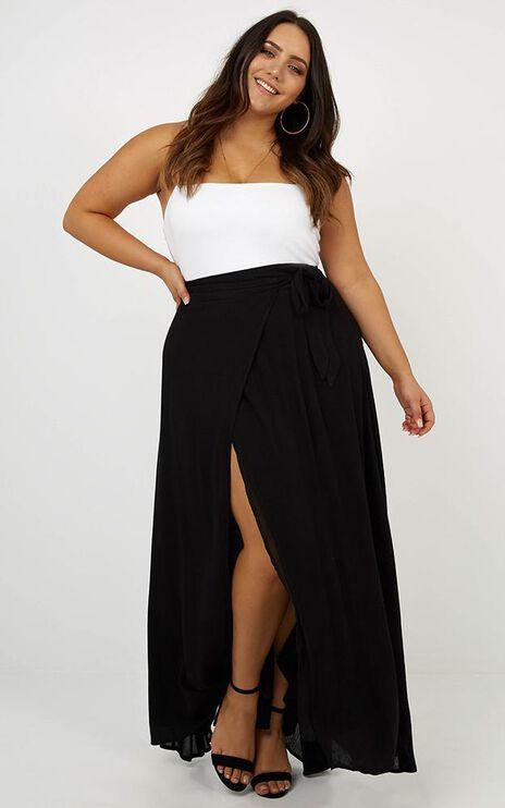 Break A Leg Maxi Skirt In Black