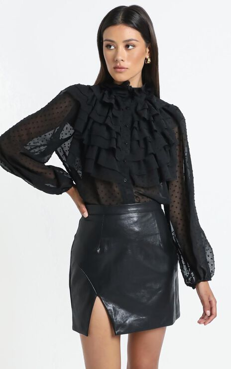 Ayda Top in Black
