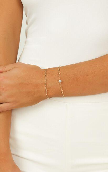 Under The Shadows Bracelet Set In Gold, , hi-res image number null