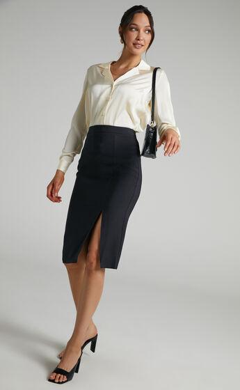 Ginna Midi Slit Pencil Skirt in Black