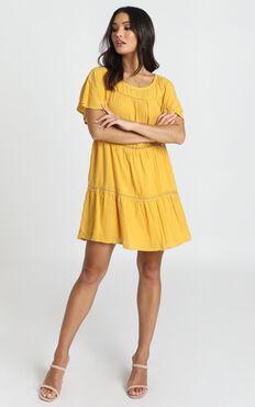 Brynn Dress In Mustard