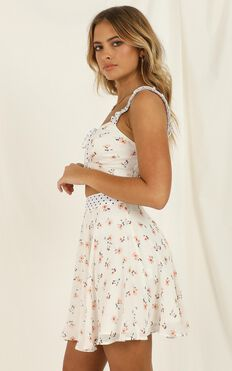 Kiss My Lips Two Piece Set In White Floral