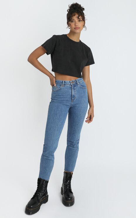 Kiss For You Crop Tee in washed black