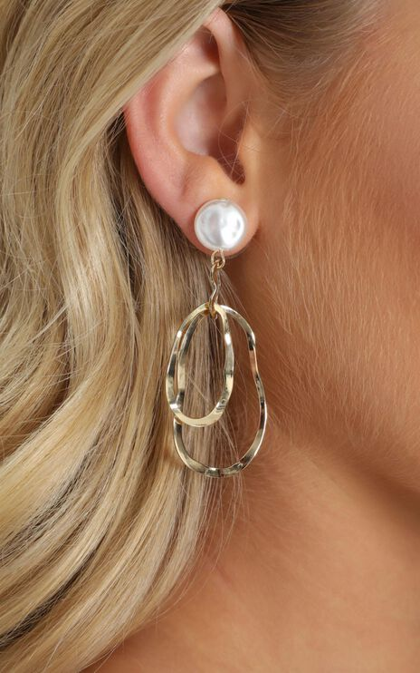 Nicolette Drop Earrings Gold And Pearl