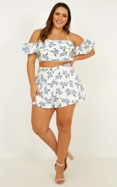 Hitting stones two piece set in blue floral - 20 (XXXXL), Blue, hi-res image number null