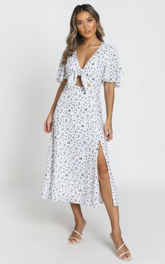 Wild And Free Mind Dress In White Floral