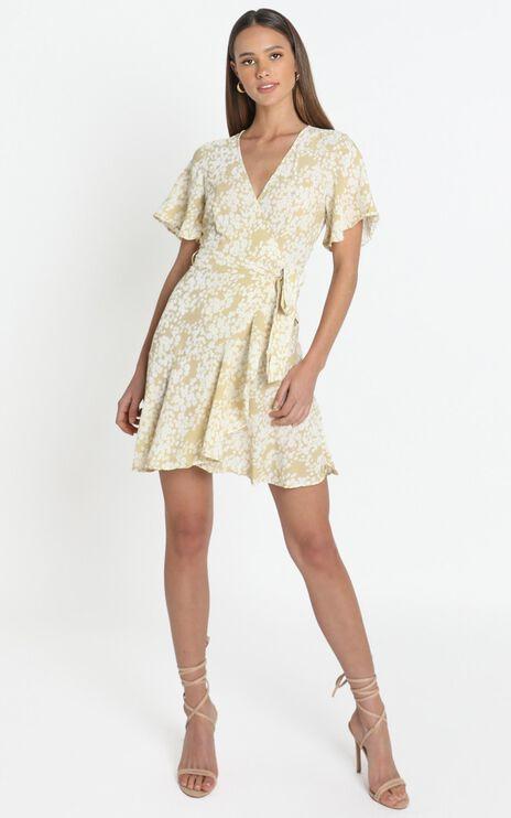Aryana Dress in Beige Floral