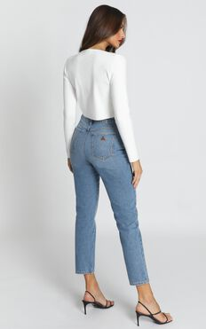 Abrand - A '94 High Slim Jeans in Miss Jane