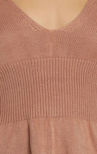 Above The Clouds knit in camel - 20 (XXXXL), Camel, hi-res image number null