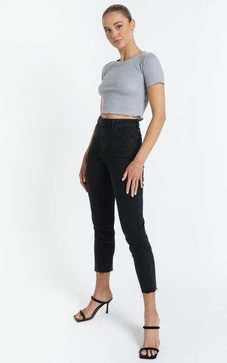 Ezra Textured T-Shirt in Grey