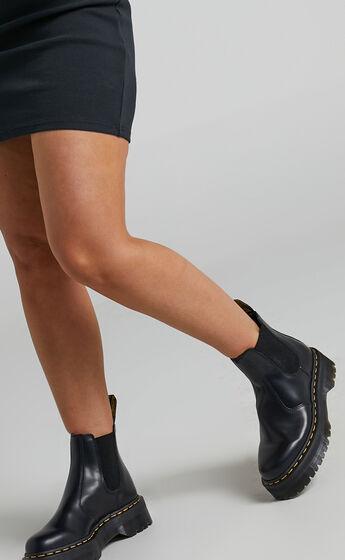 Dr. Martens - 2976 Quad Chelsea Boots in Black