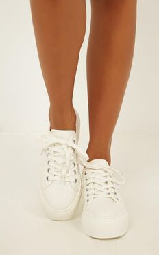 Lipstik - Rayden Sneaker In White Canvas