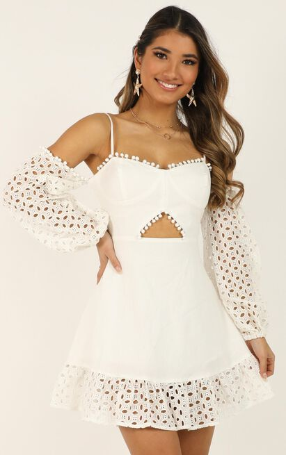 I got many different names dress In white - 20 (XXXXL), White, hi-res image number null